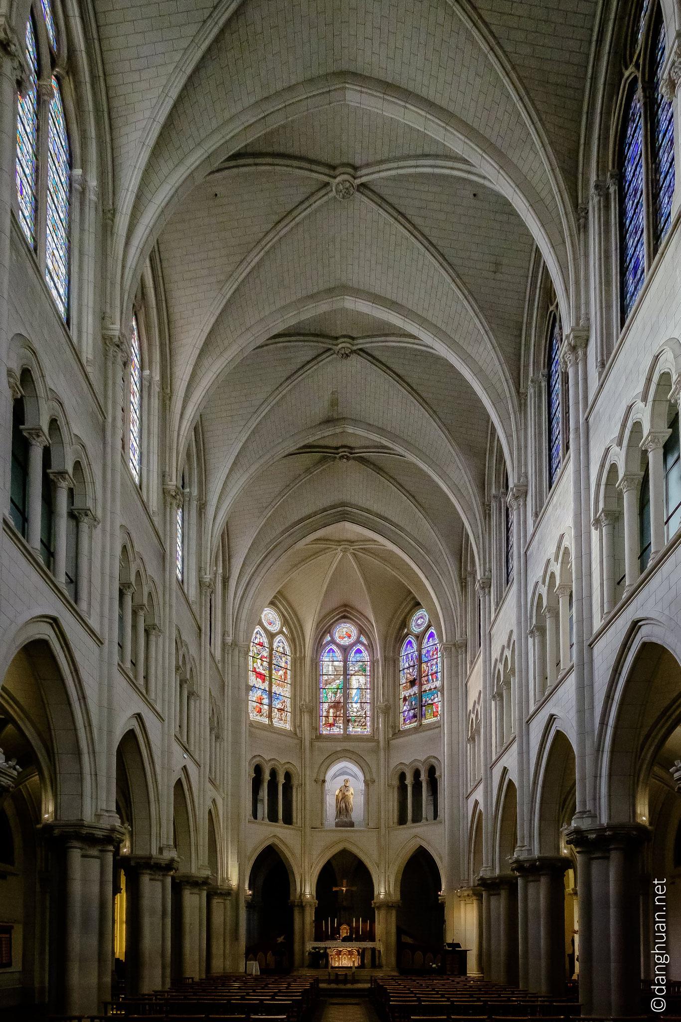 Eglise St André de l'Europe, 24 bis Rue Saint Pétersbourg, Paris 8