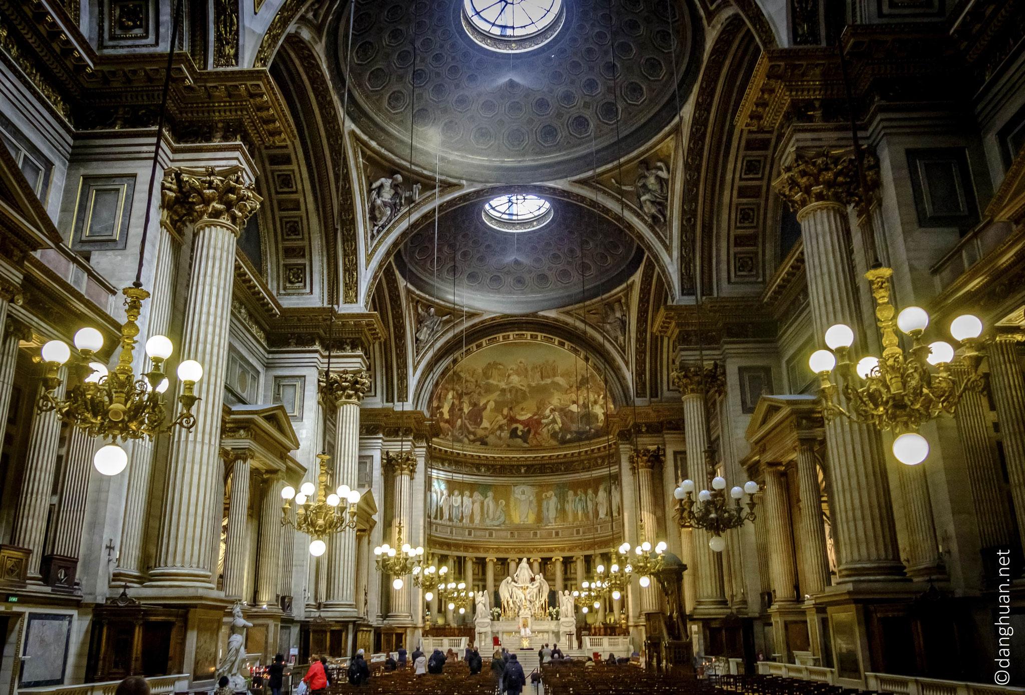 Eglise de la Madeleine - du style architectural néoclassique avec son portique octostyle