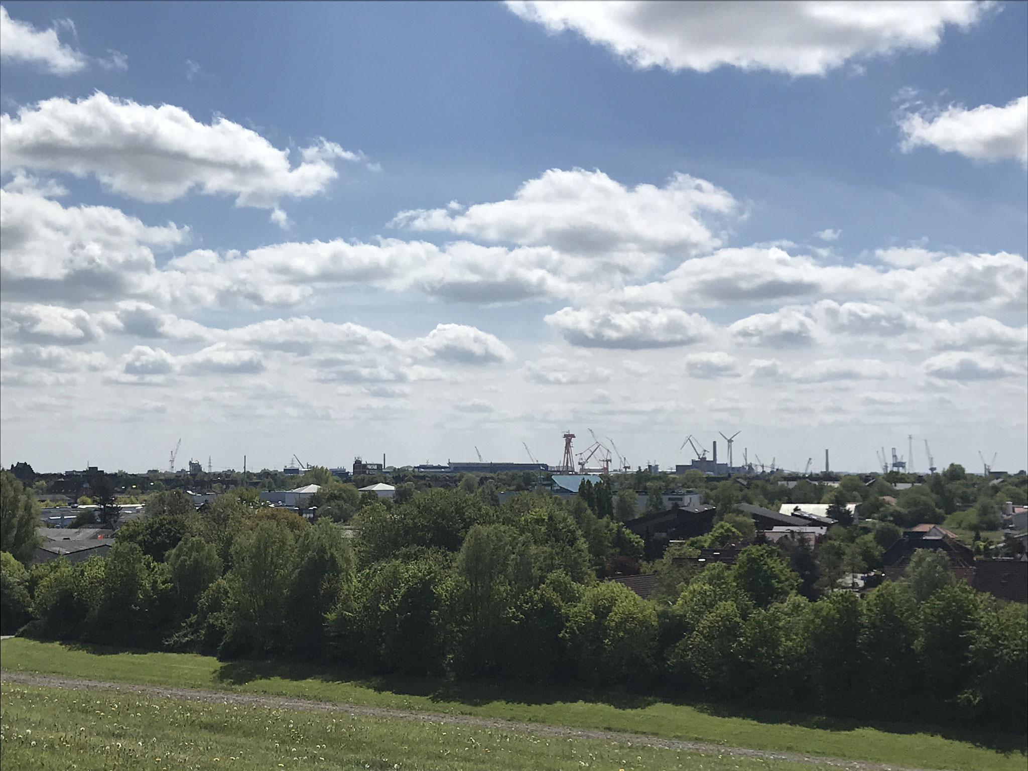 Blick auf Emden vom Friesenhügel