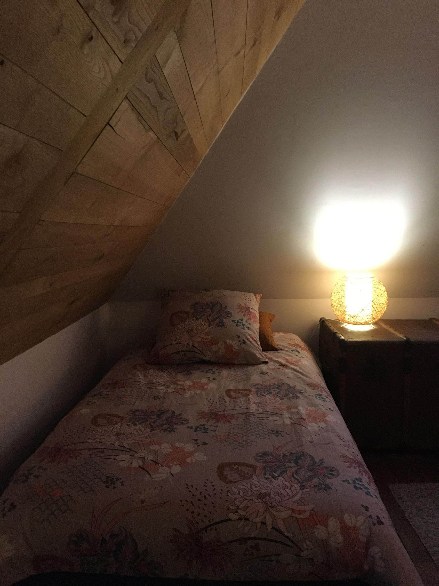 Chambre à l'étage - Lit simple