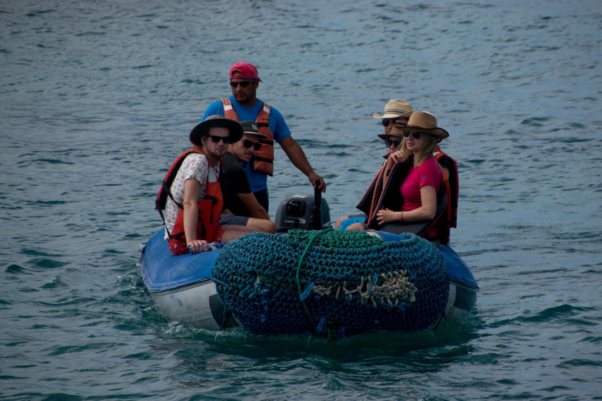 Eines der zwei kleinen Motorboote für den Landgang oder zum Schnorcheln