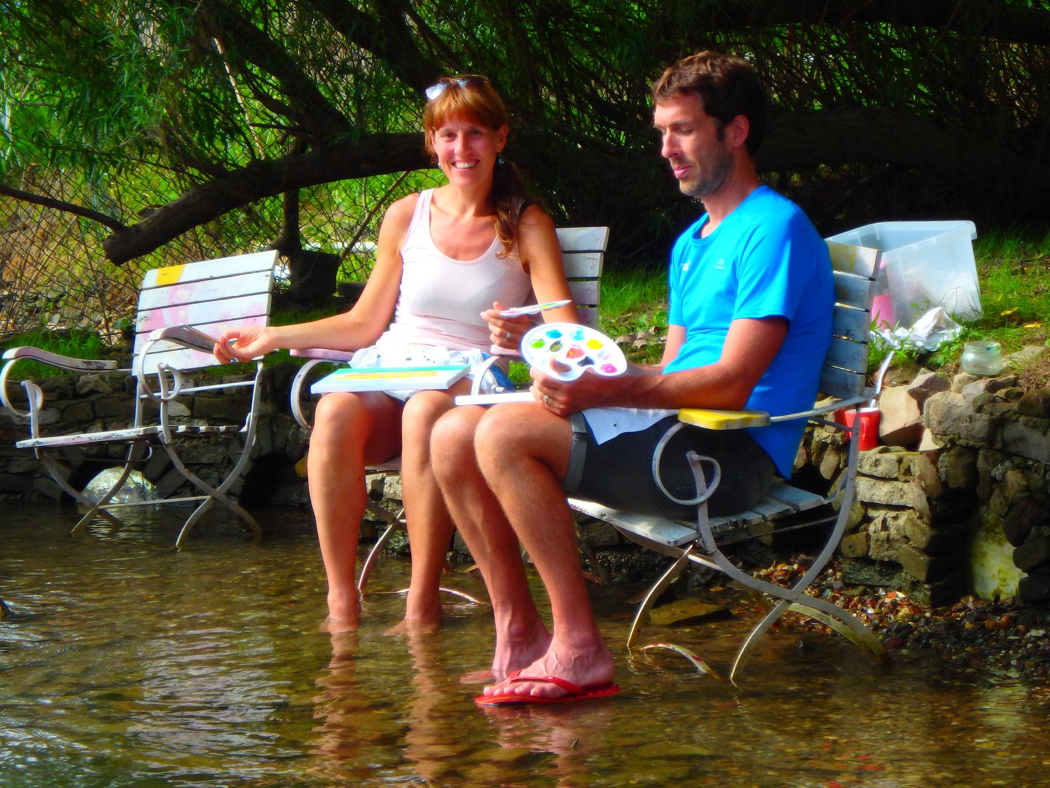 Heerlijk de voetjes in het water en ondertussen een schilderijtje schilderen in de tuin van Drijfpaleis.