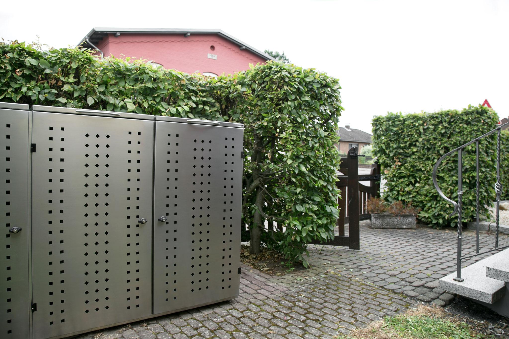 Mülltonnenbox NIWA für 3 Mülltonnen 120l