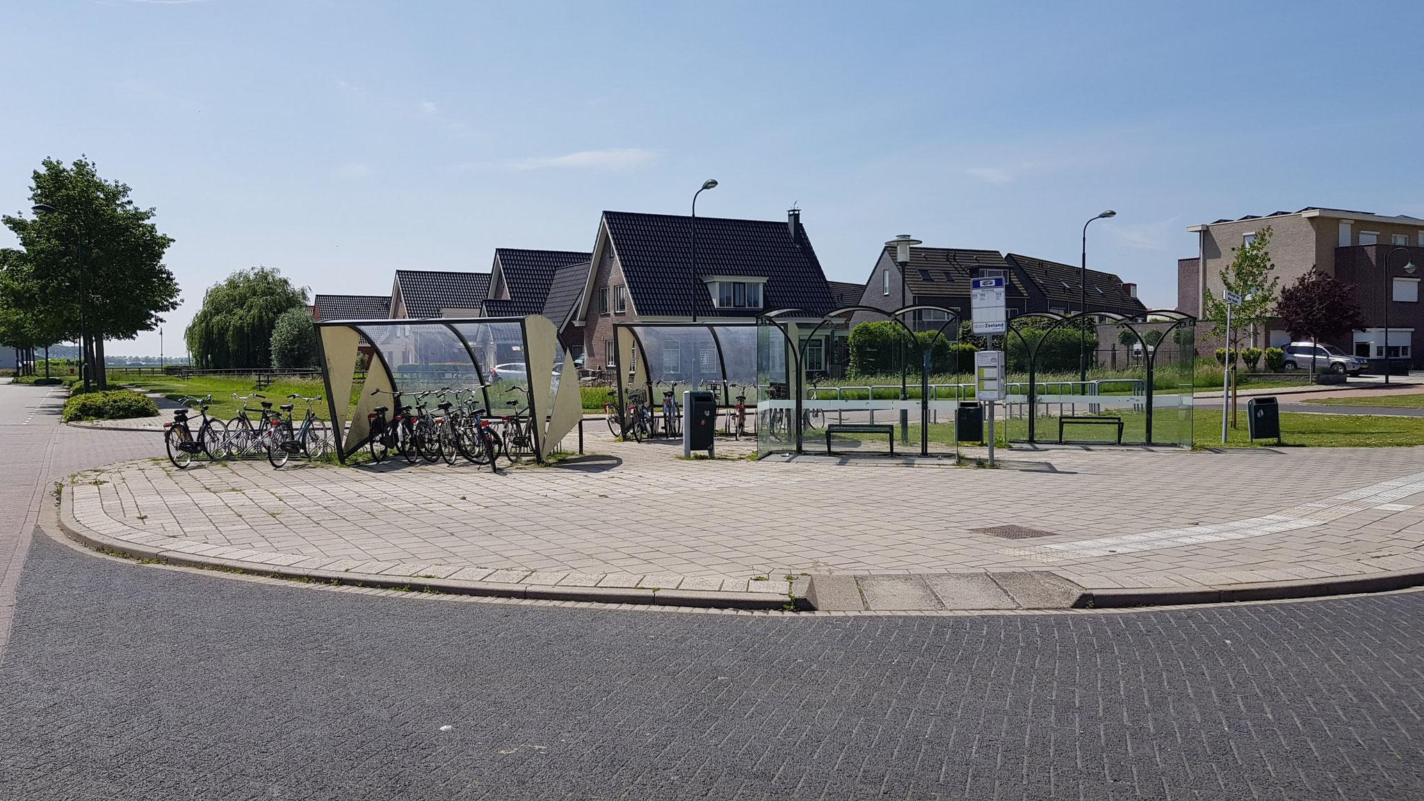 Fahrrad- Abstelle in Sint Annaland