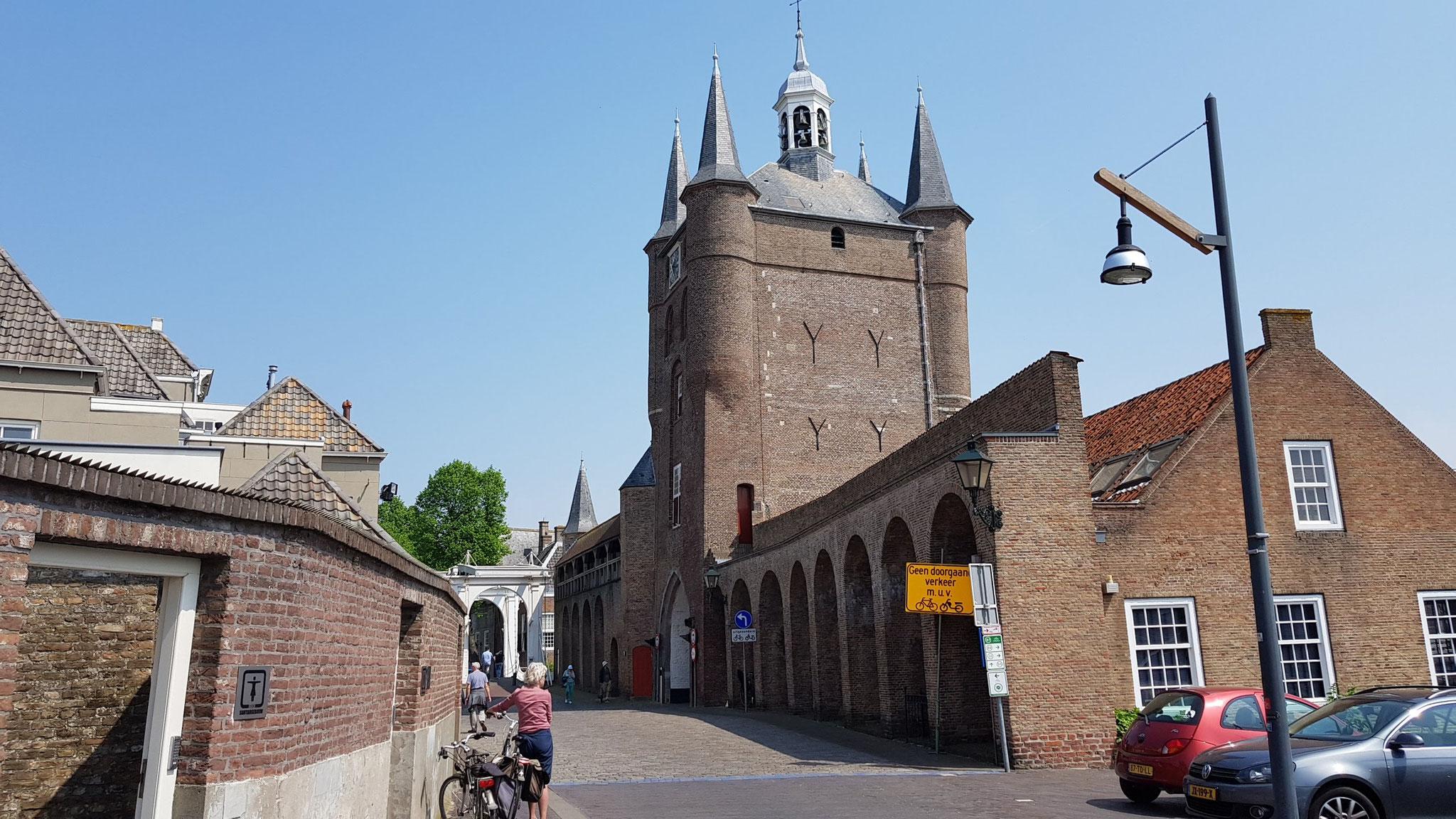 Zuidhavenpoort, Old Port (mittelalterliches Tor)