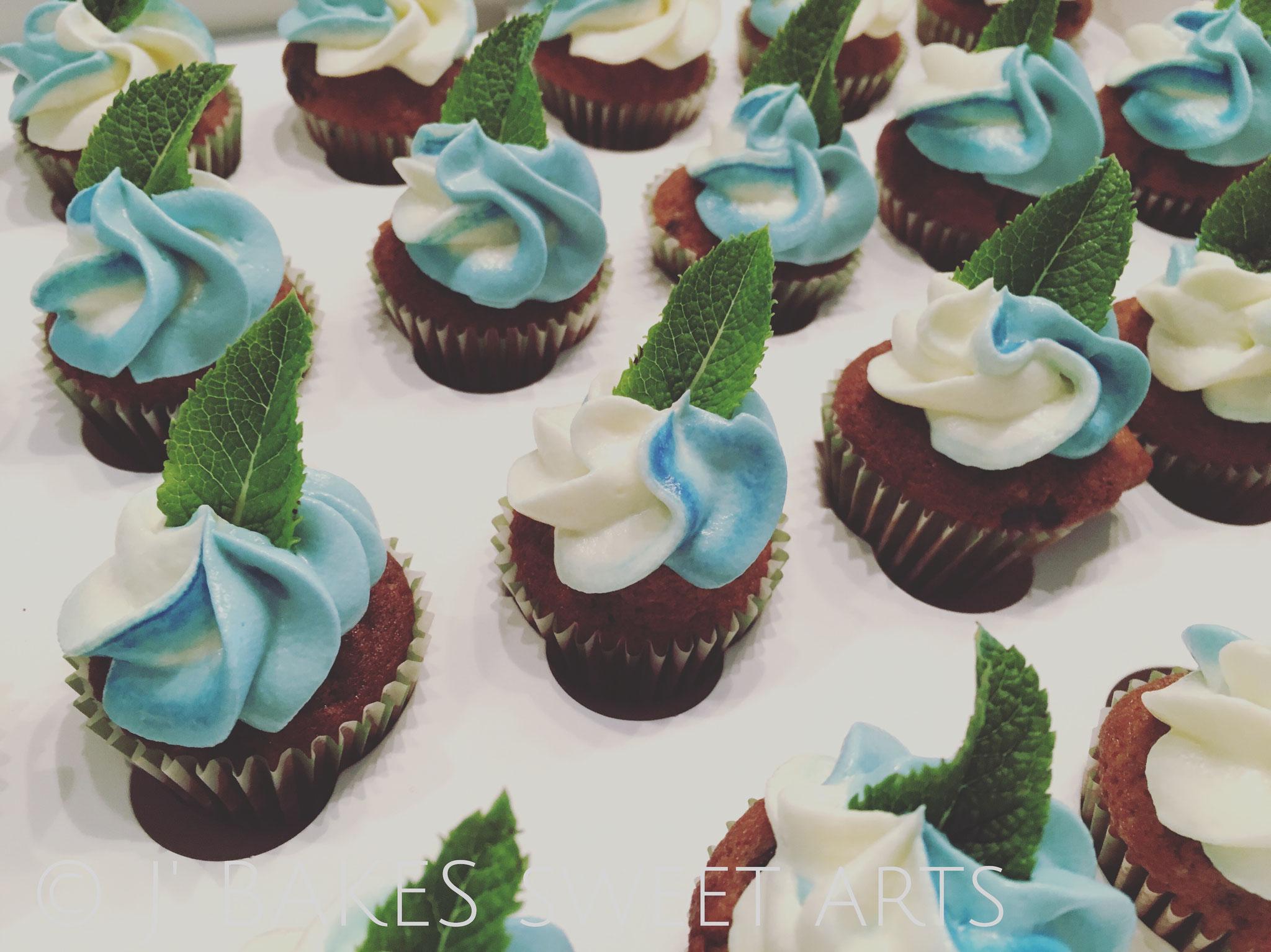Blaubeer-Mini-Cupcake // Blueberry-mini-cupcake