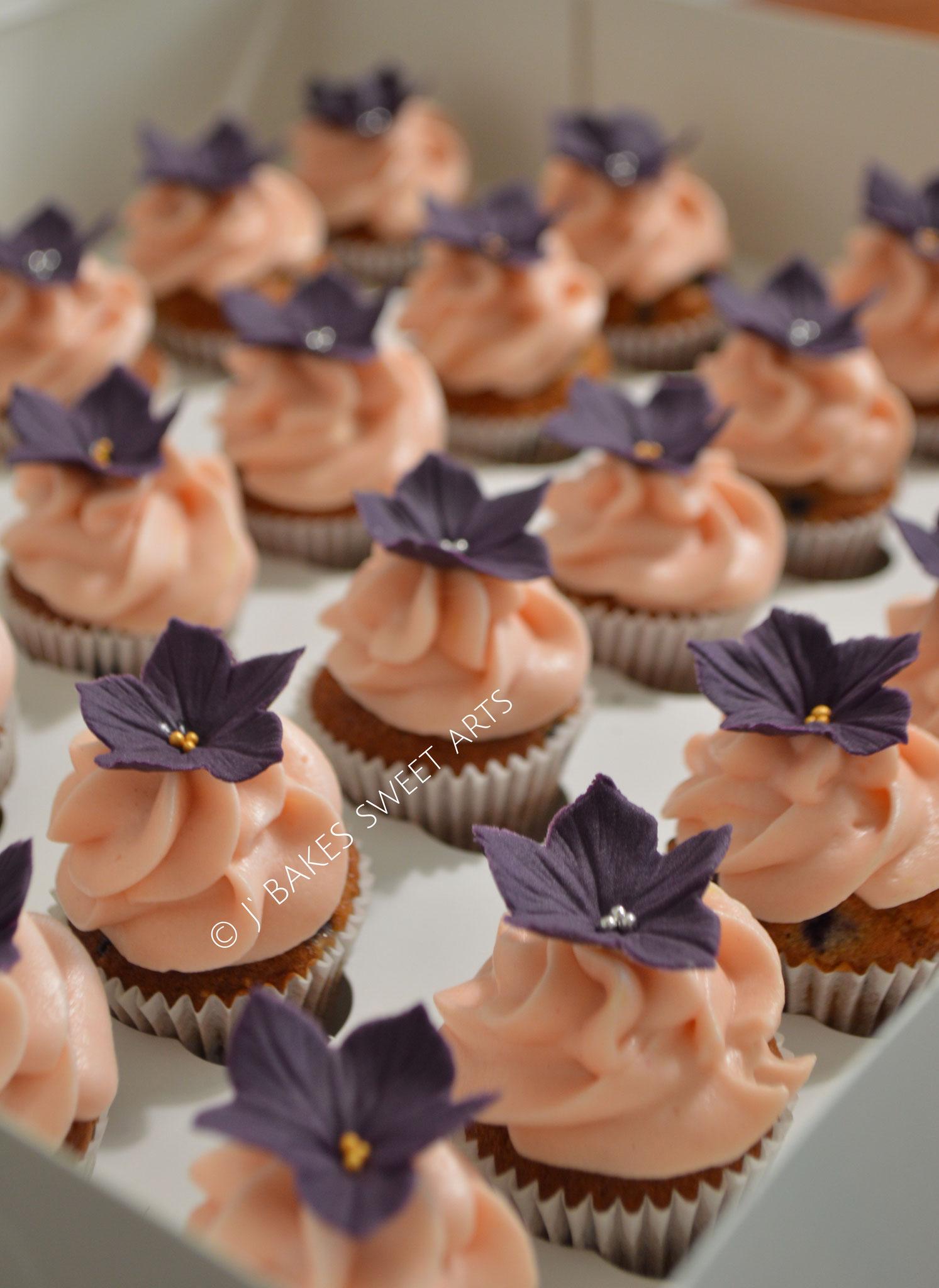 Himbeere-Mini-Cupcakes // Raspberry-Mini-Cupcakes