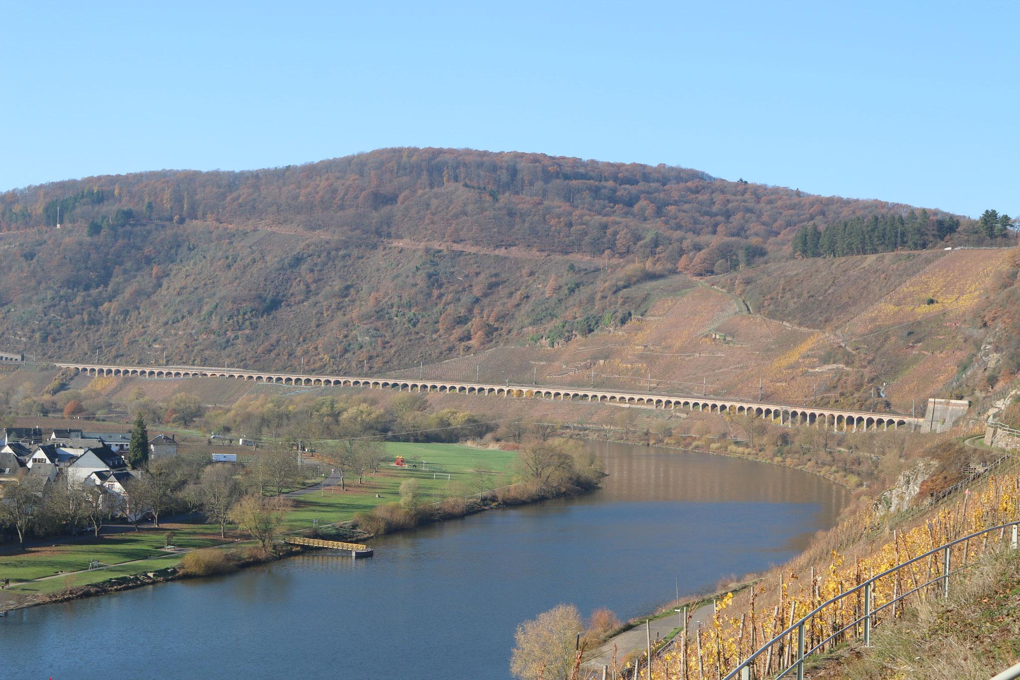 Das längste Hangviadukt in Deuschland (Länge: 786 m)