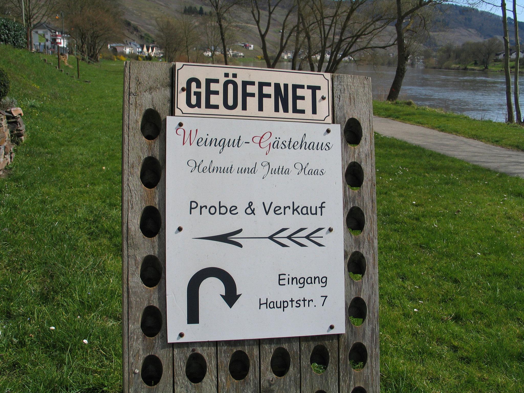 Zwischen Gartenterrasse, Mosel-Radweg und Moselufer