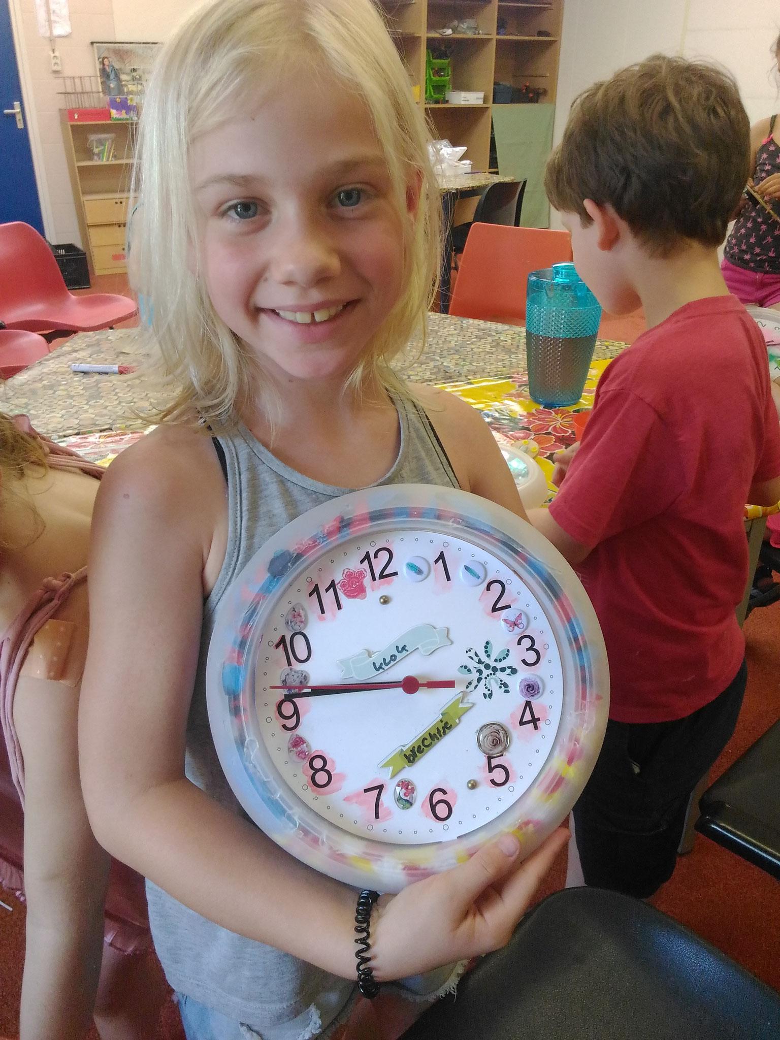 ARTii-kids workshop klok versieren Driel