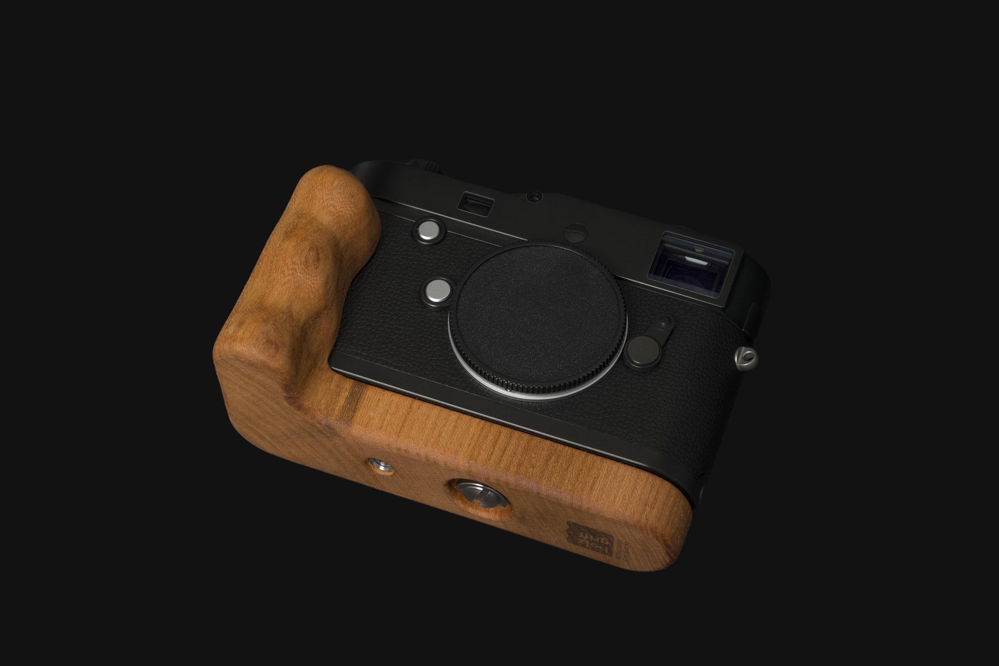 Leica Typ 246 mit Holzgriff