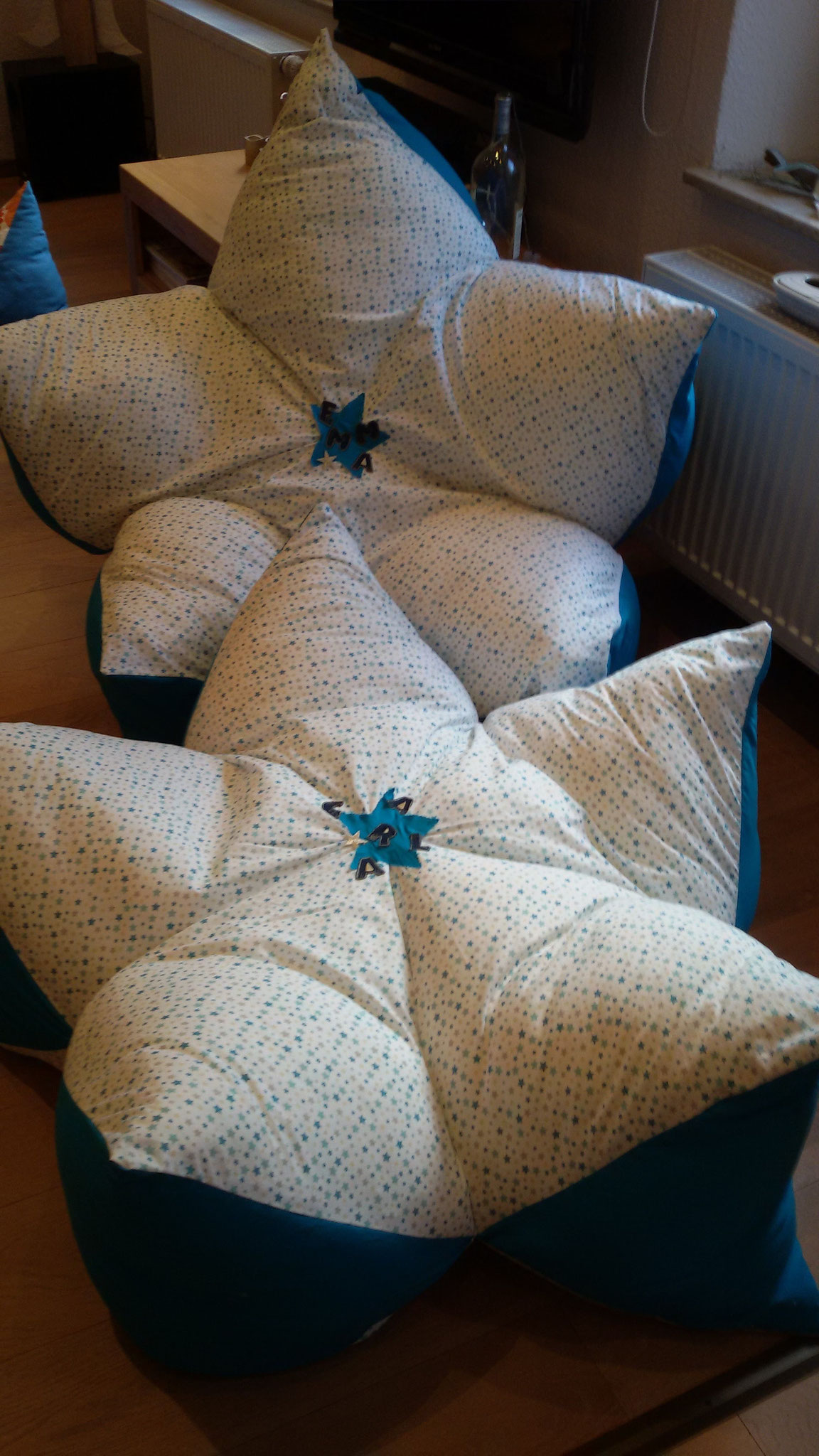 Auftragsarbeit: Sternenkissen 1m Durchmesser für 2 süsse Mädels statt Sitzsack