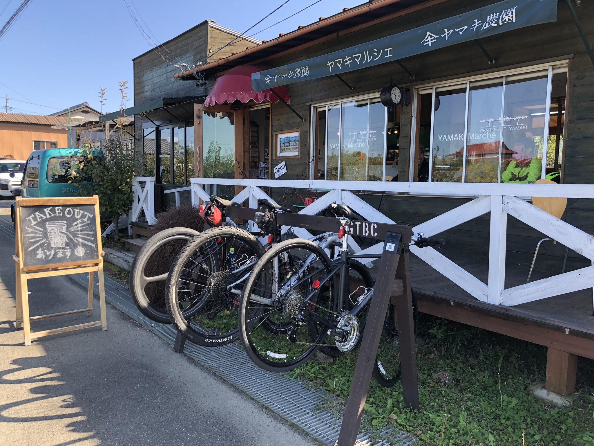 果樹園にあるカフェ
