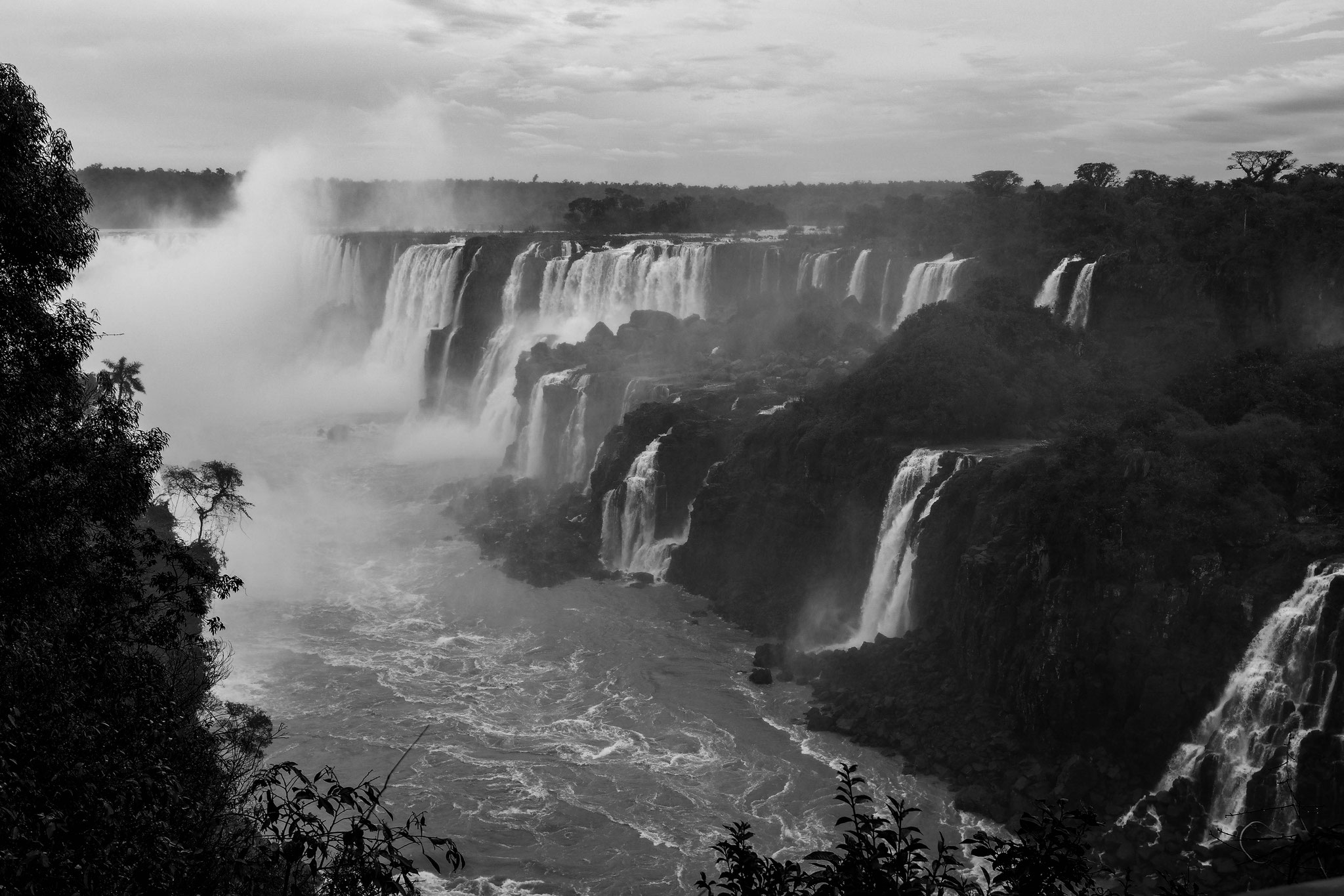 The waterfalls become smaller as we leave Iguazú.