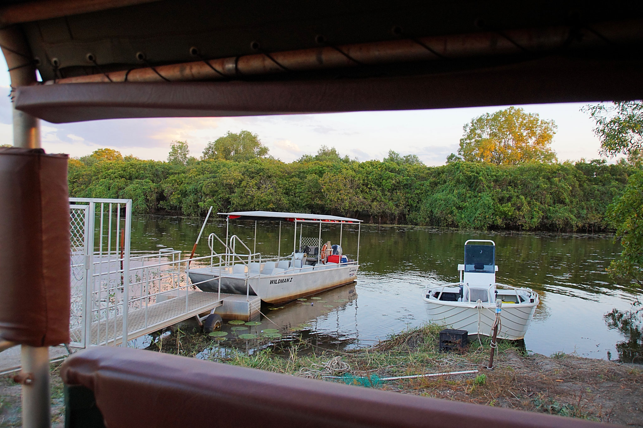 Mit dem Ausflugsboot kann man den Home Billabong erkunden.