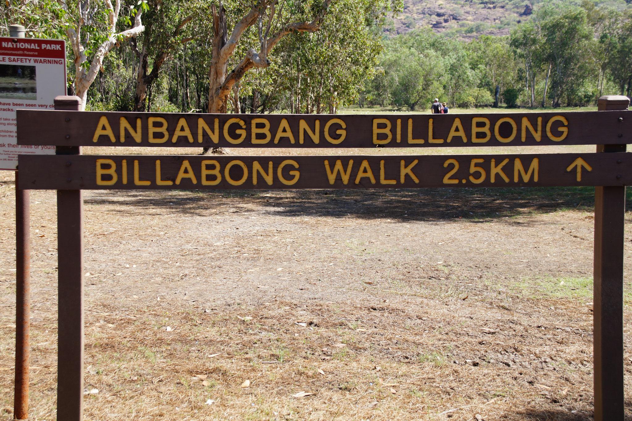 Am Anbangbang Billabong gibt es einen Weg mit Picknickplätzen.