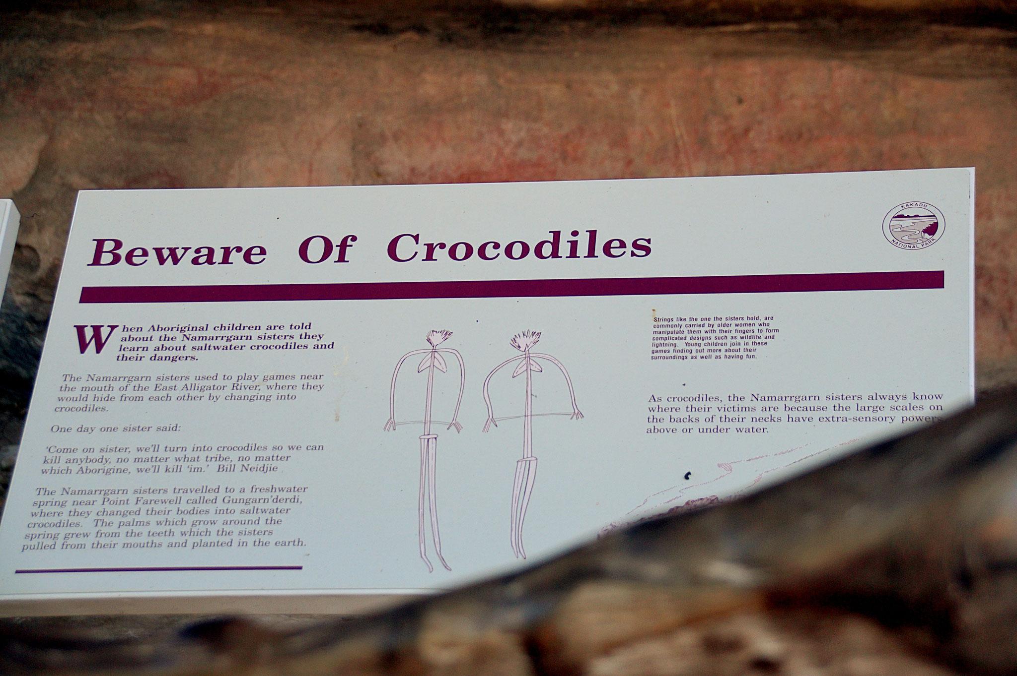 Tafeln erklären die abgebildeten Traumzeit-Mythen der Aborigines.