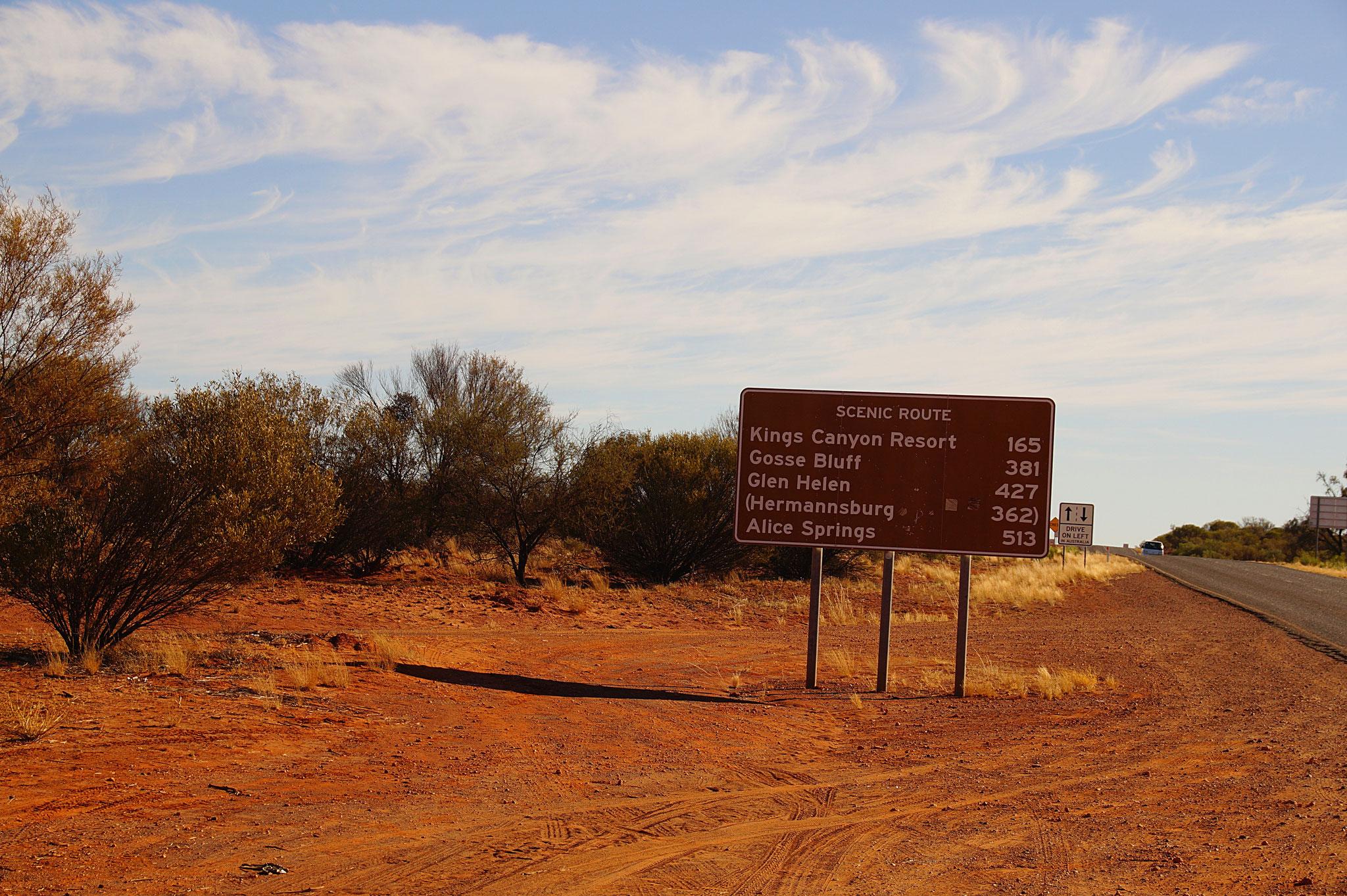 Vom Uluru zum Kings Canyon fahrt ihr 4 bis 5 Stunden.