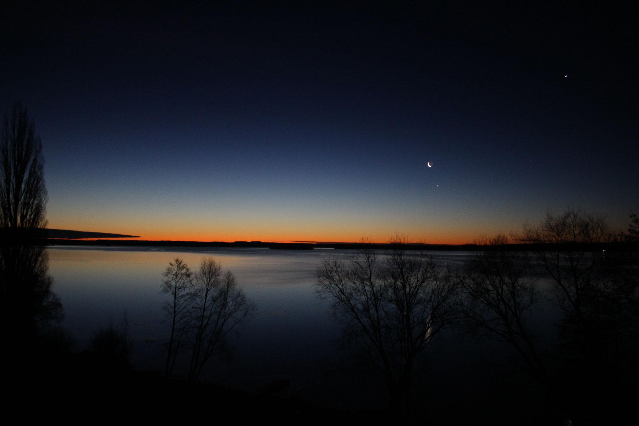 Nachtwanderung am See