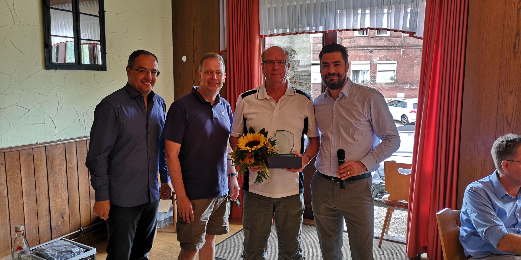 20 Jahre Schiedsrichterbetreuer: Rudi Leu