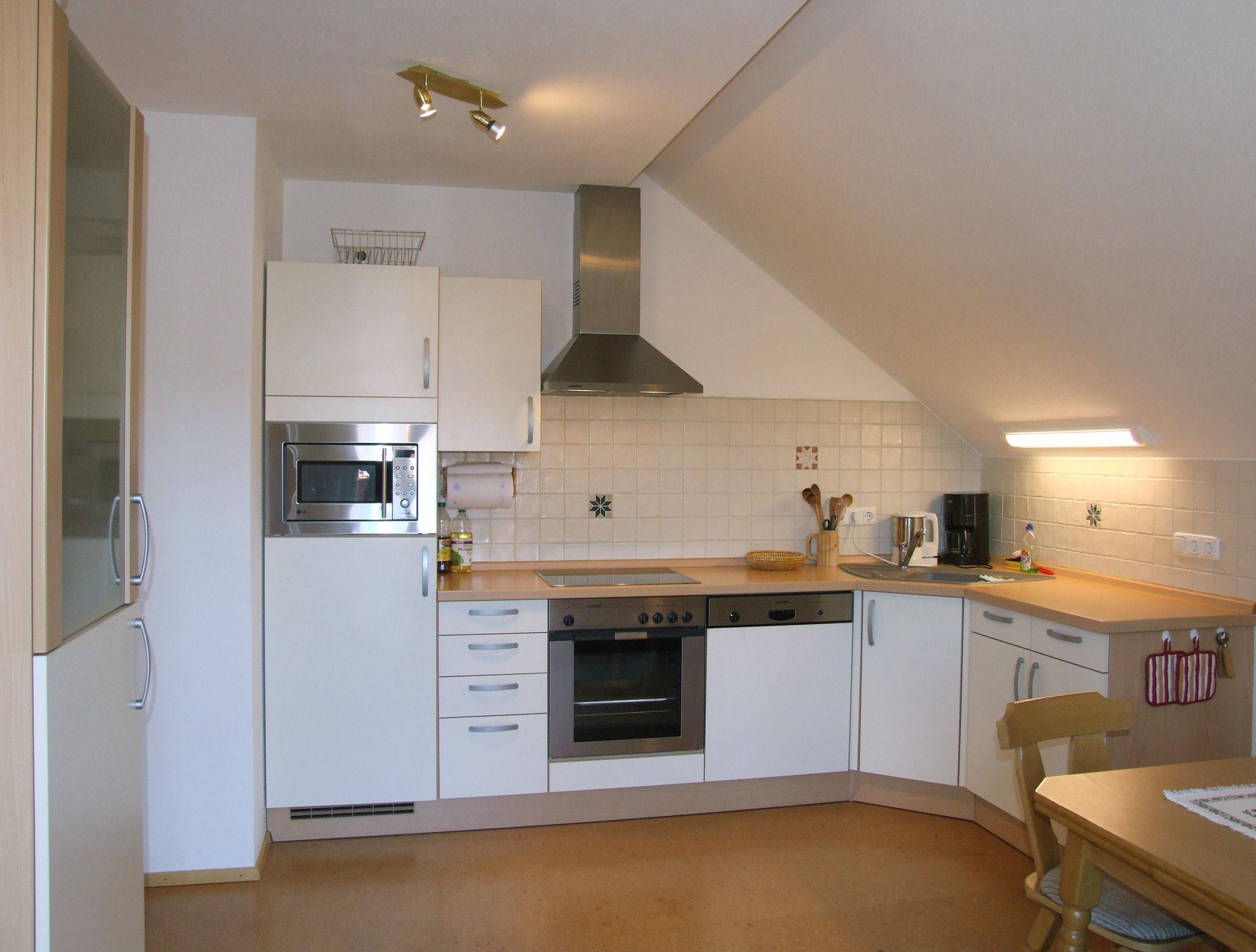 Komplett ausgestattete Küchenzeile