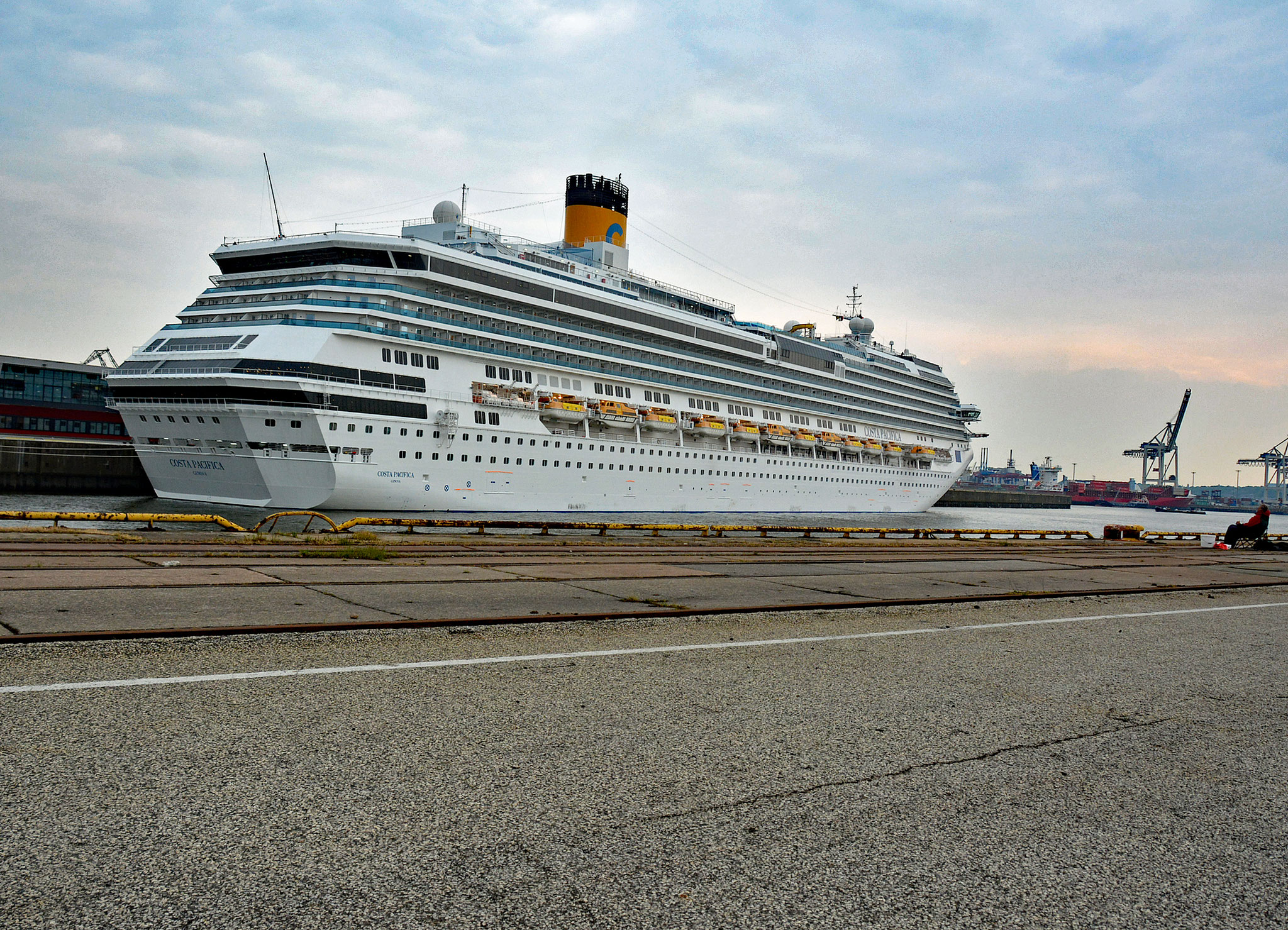 Costa Pacifica in Steinwerder