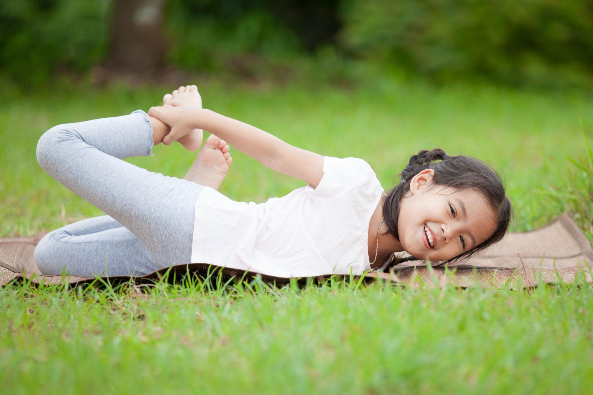 Fr, 17.07., 15.00: Yoga im Freien, ein Angebot des Marzahner Kinderkellers