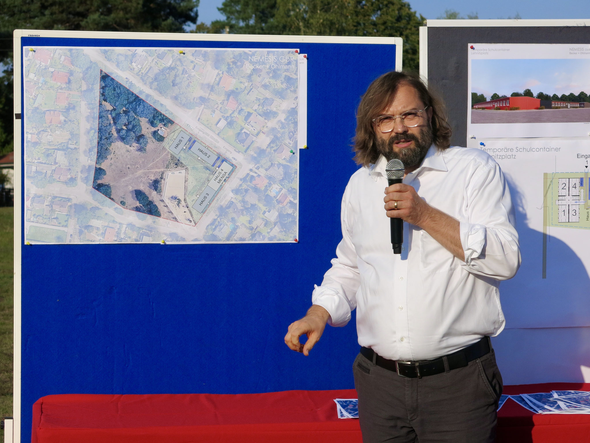 Architekt Frank Ohlmann stellte die Pläne vor.