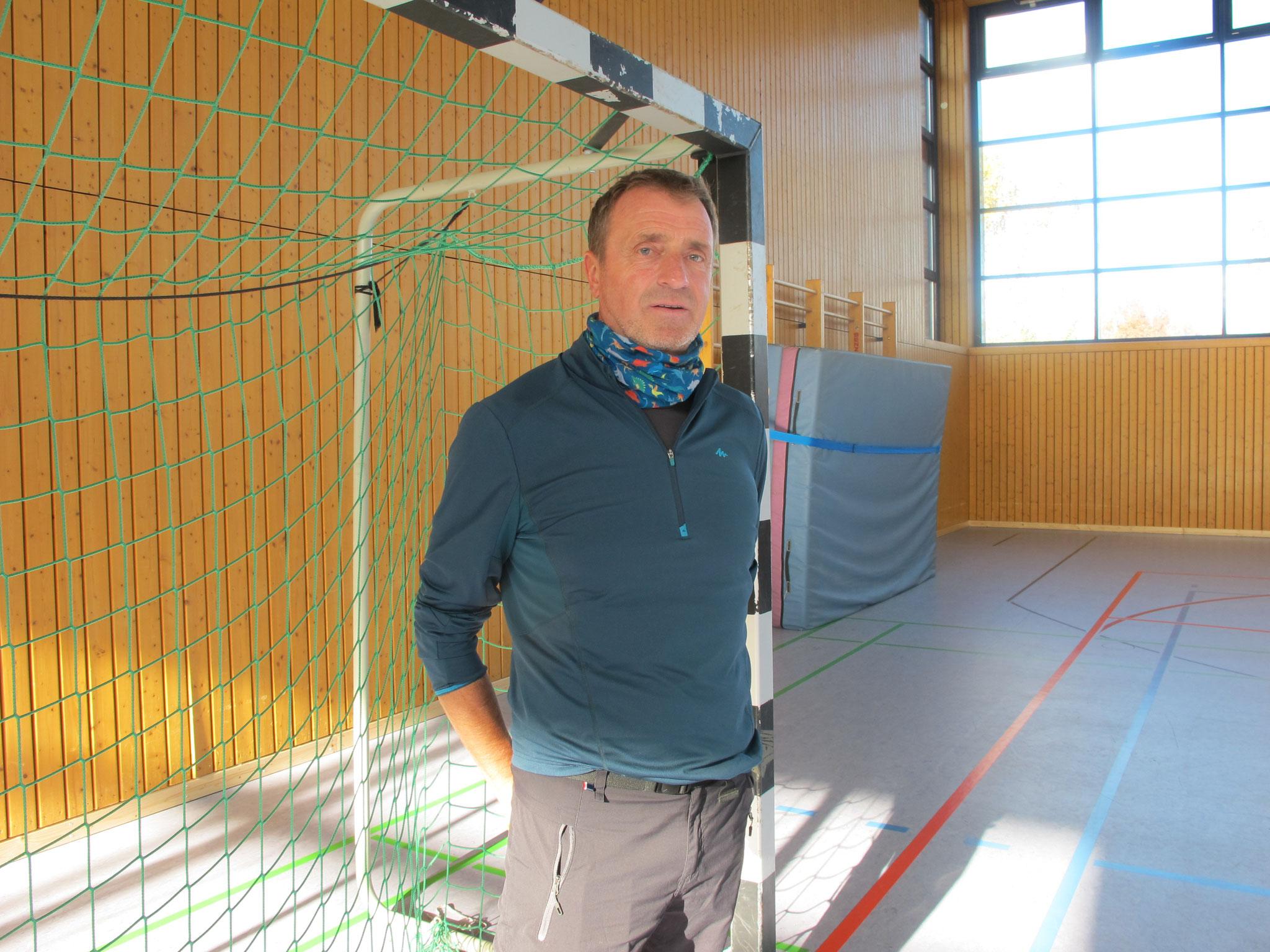 Sportlehrer Jens Hentschel verleiht den Kolibris mitunter Flügel.
