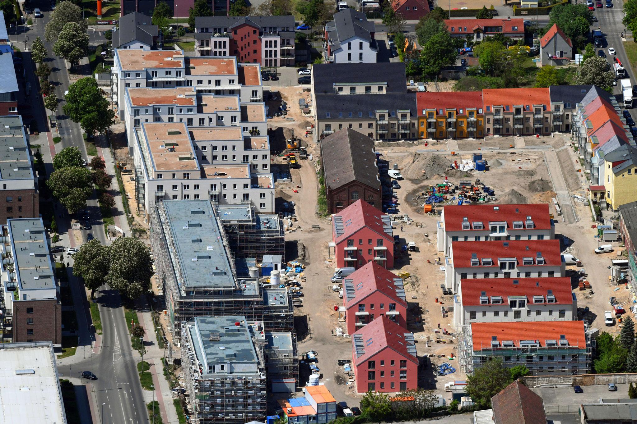 Das Bauvorhaben auf dem Gut Alt Biesdorf ist schon weit vorangeschritten. © Euroluftbild