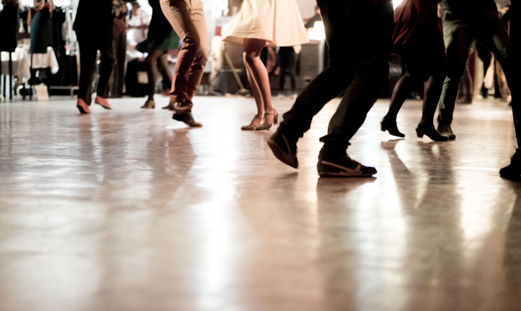 Tipp 20: So, 15.9., 19 bis 20 Uhr: Tanzkurs für Einsteiger im Pestalozzi-Treff | © Mirko Macari, Adobe Stock