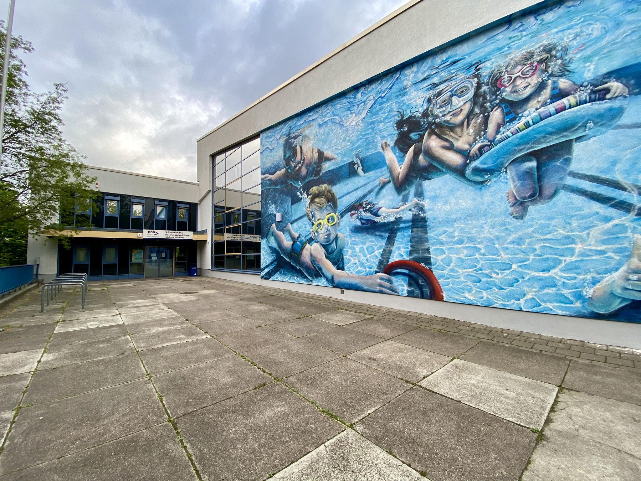 """Kurzfristig haben die Berliner Bäder-Betriebe die zuletzt für den 25. Mai geplante Wiedereröffnung der Schwimmhalle """"Helmut Behrendt"""" auf den 19. Juli verschoben."""