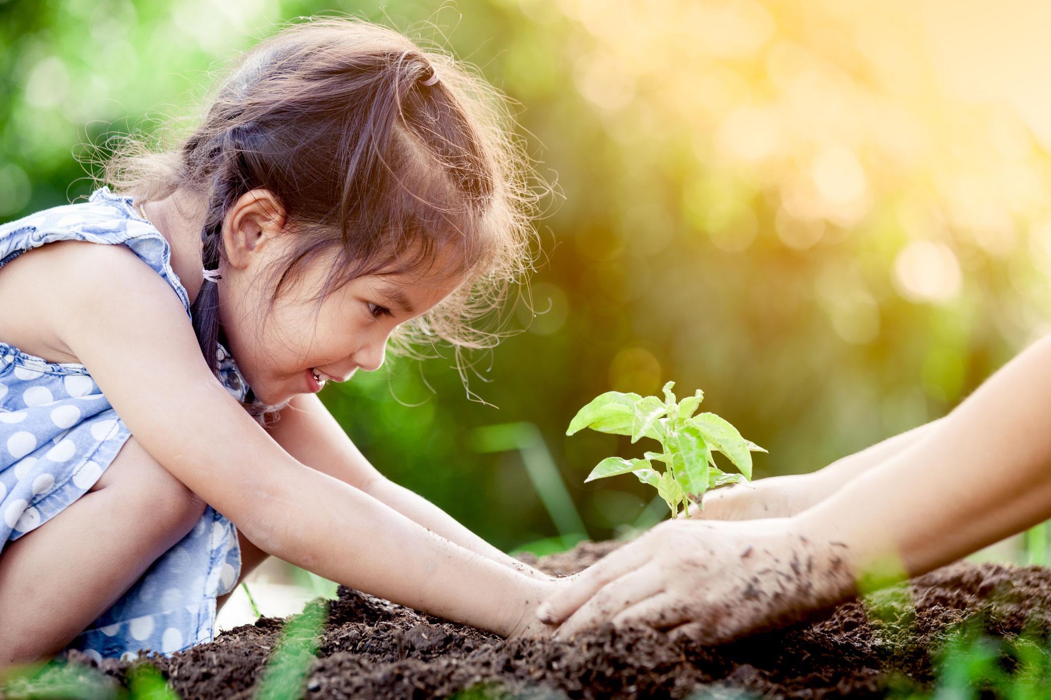 """Tipp 7: Sa, 19.10., 13-18 Uhr: """"Mein Alltag – unser Klima"""" – offenes Angebot für Familien im Umweltbildungszentrum Kienbergpark © Adobe Stock"""