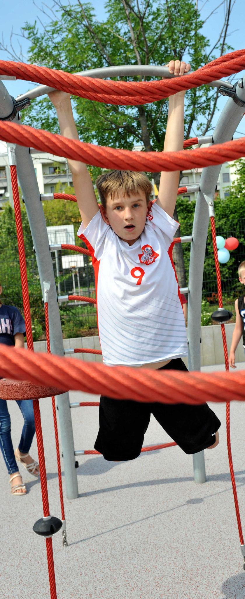 Sportlich, sportlich: Anthony (10) joggt jeden Morgen, spielt Fußball im Verein und tobt regelmäßig im Joker.  © pressefoto-uhlemann.de