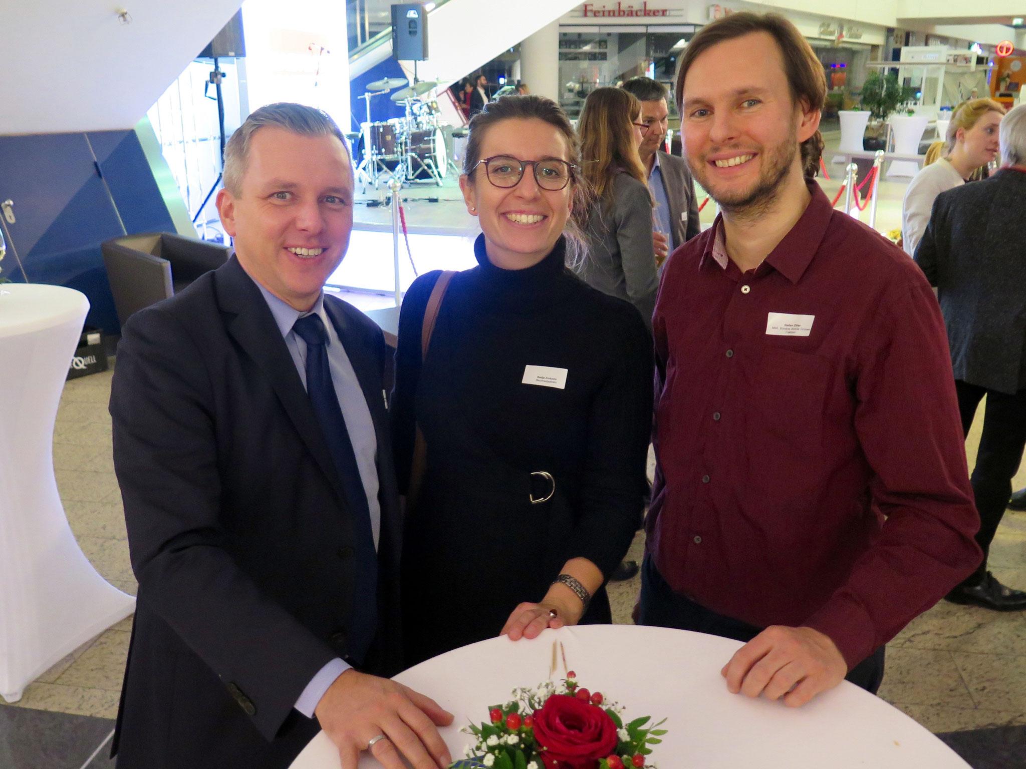 Alexander J. Herrmann (Vorsitzender der CDU-Fraktion in der BVV Marzahn-Hellersdorf) mit Bezirksstadträtin Nadja Zivkovic (CDU) und dem Grünen-Abgeordneten Stefan Ziller.