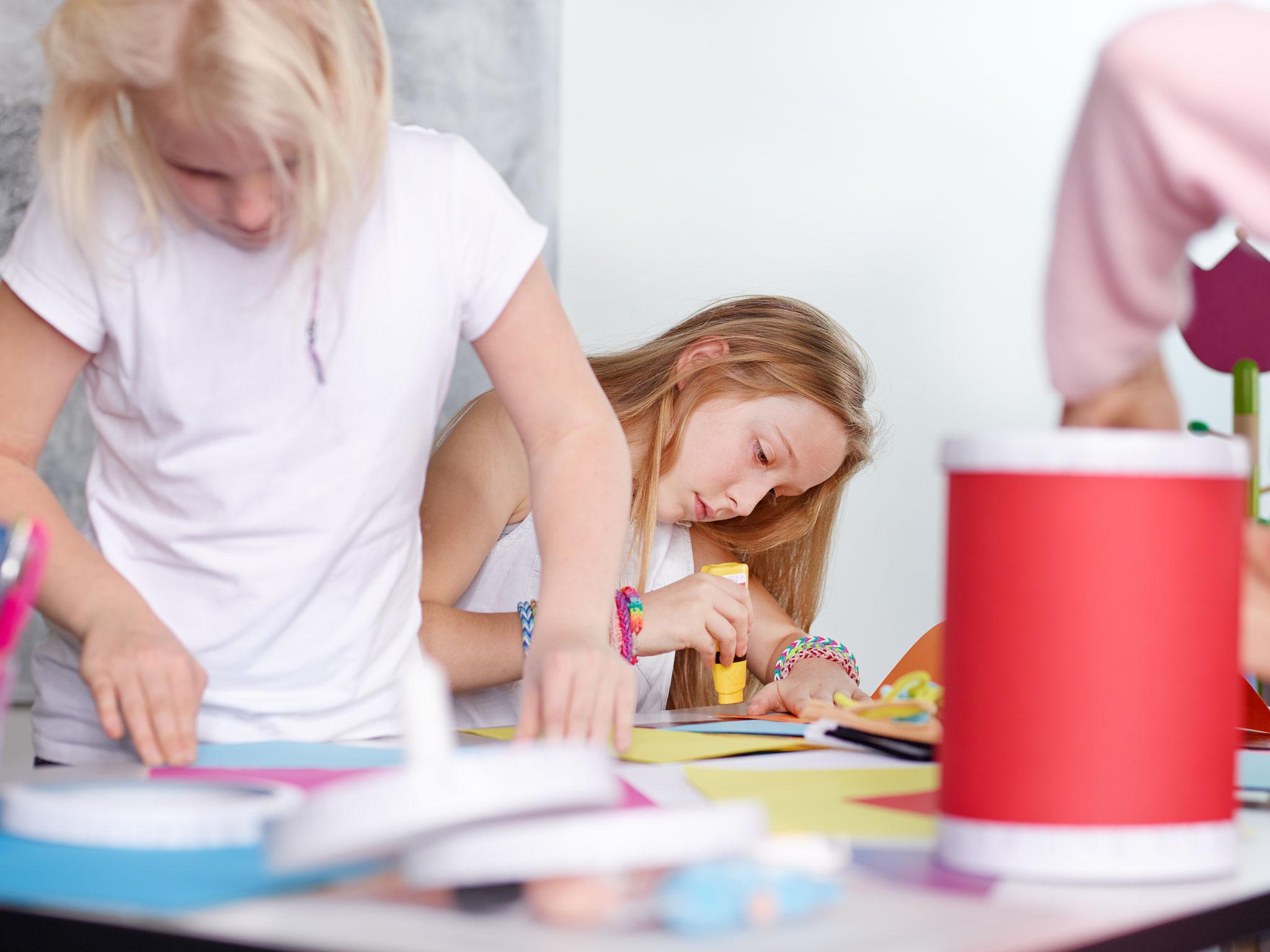 Tipp 5: Sa, 2.11., 10-13 Uhr: Bunter Familiensamstag mit Laternenbasteln im Haus Aufwind (Nossener Straße 87-89), © Karin & Uwe Annas, Adobe Stock