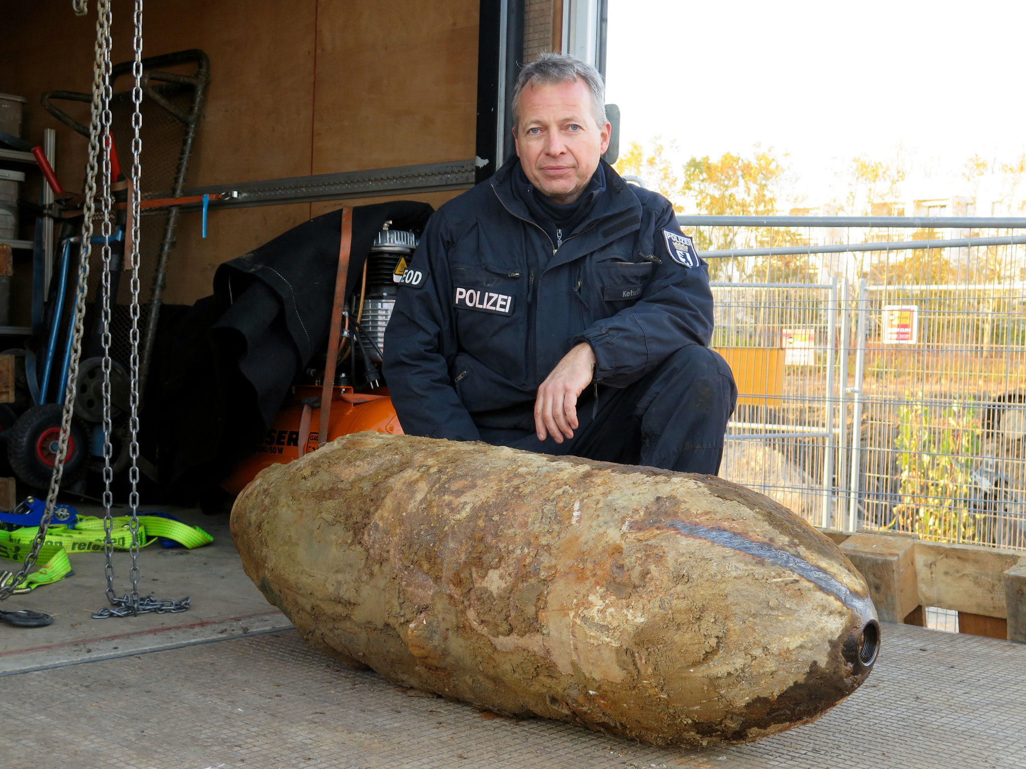 Polizei-Feuerwerker Matthias Kotulla (50) bewies einmal mehr einen kühlen Kopf und ein ruhiges Händchen. Seit 2008 macht der Familienvater den lebensgefährlichen Job.