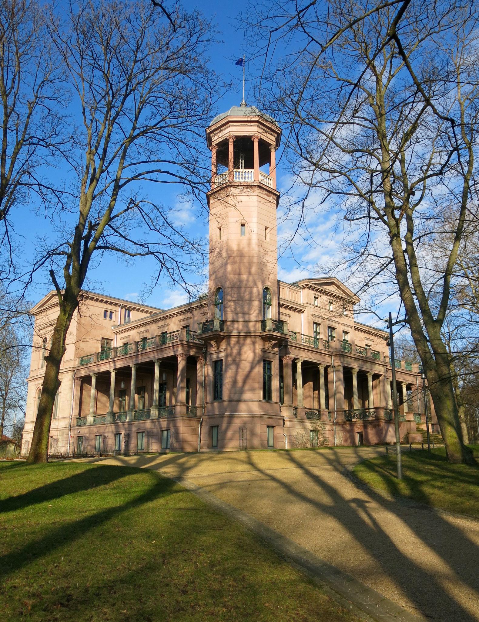 Sa, 11.1., 11 Uhr: Neujahrskonzert der Hans-Werner-Henze-Musikschule im Schloss Biesdorf
