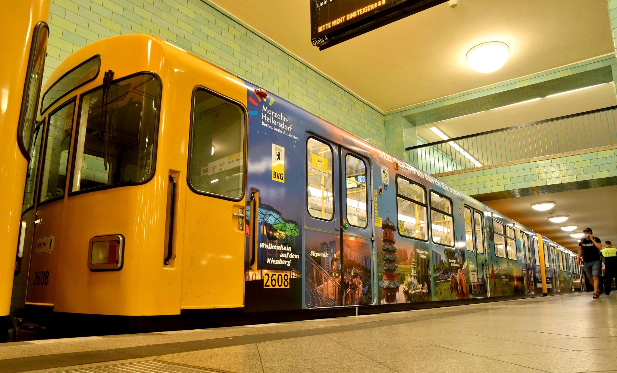 Der F-Zug im Marzahn-Hellersdorf-Gewand verkehrt mindestens bis Februar 2022 auf der U-Bahn-Linie 5. © pressefoto-uhlemann.de