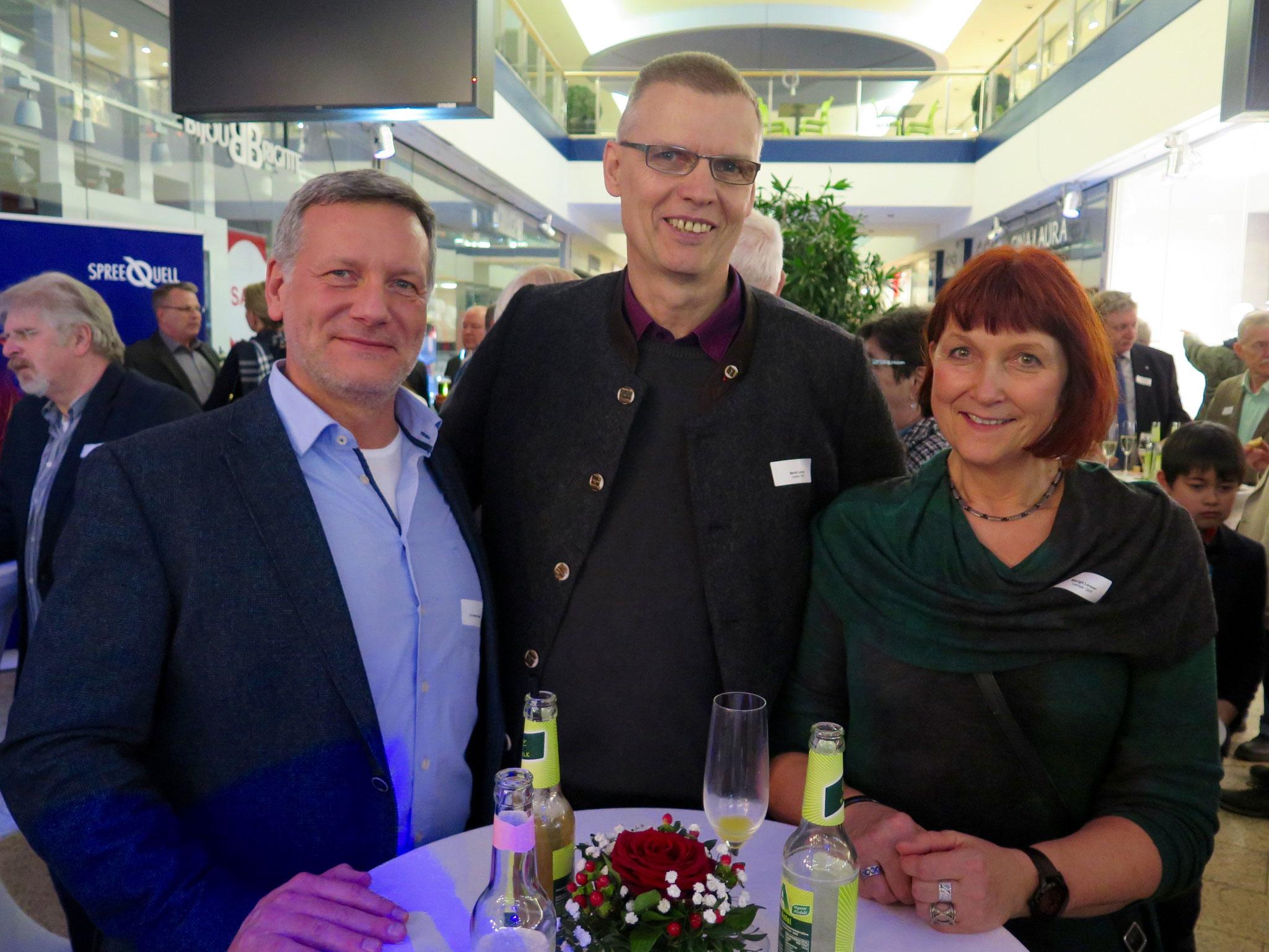 Dr. Karsten Raasch, Facharzt für Arbeitsmedizin, mit Bernd und Margit Lenser (beide Lenser GbR)