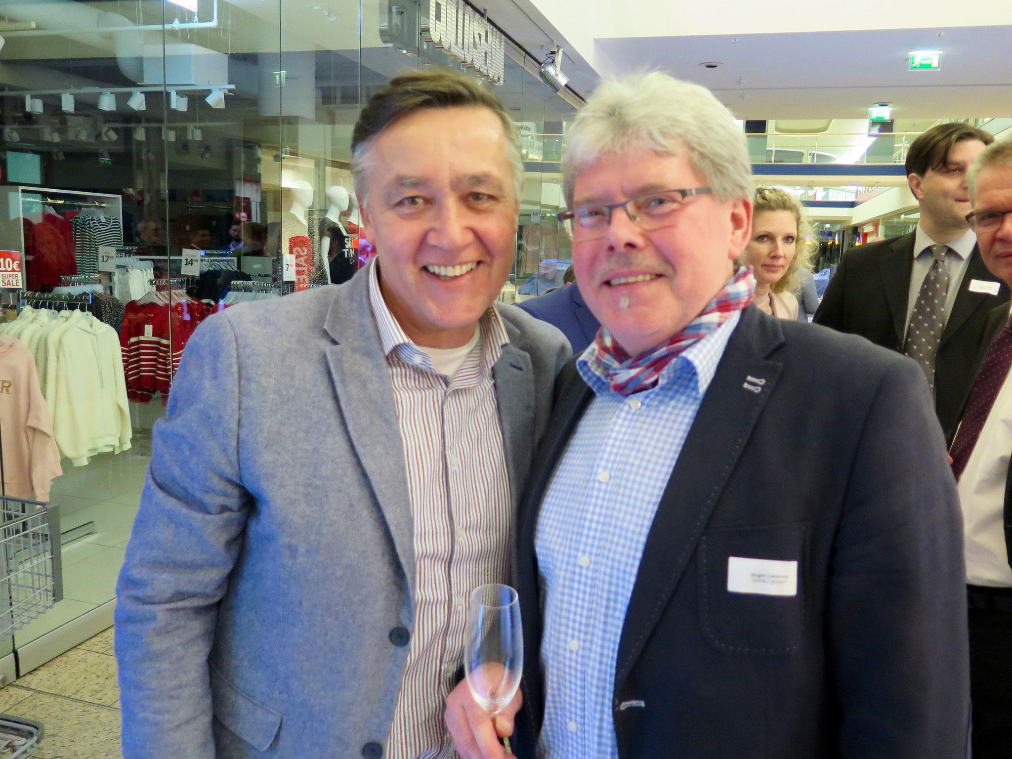 Stefan Mattes (Unternehmensnetzwerk Magerviehhof Friedrichsfelde) mit Jürgen Landrock (Qualifizierungsgesellschaft für Energie- und Umwelttechnik gGmbH)