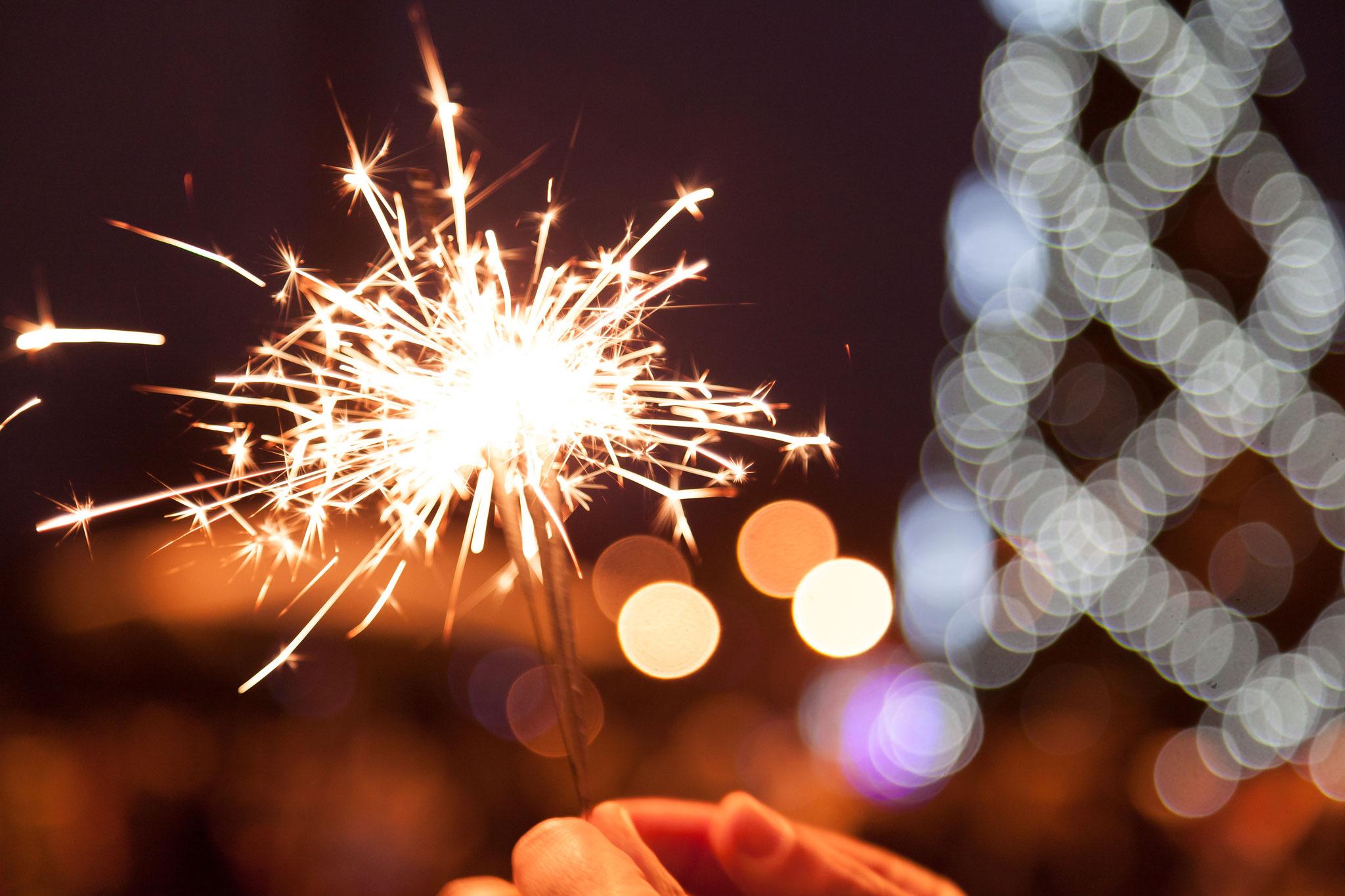 Fr, 29. November, 14 bis 19 Uhr: Feuriger Advent rund ums Freizeitforum Marzahn | © glebchik, Adobe Stock