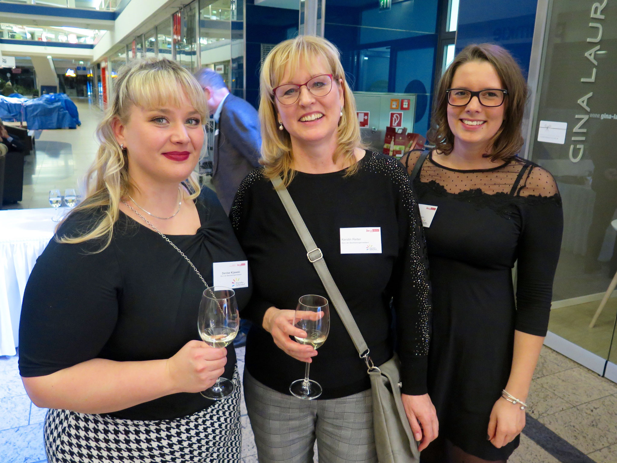 Aus dem Büro der Bezirksbürgermeisterin: Denise Kijewski, Kerstin Reiter und Julia Wehner