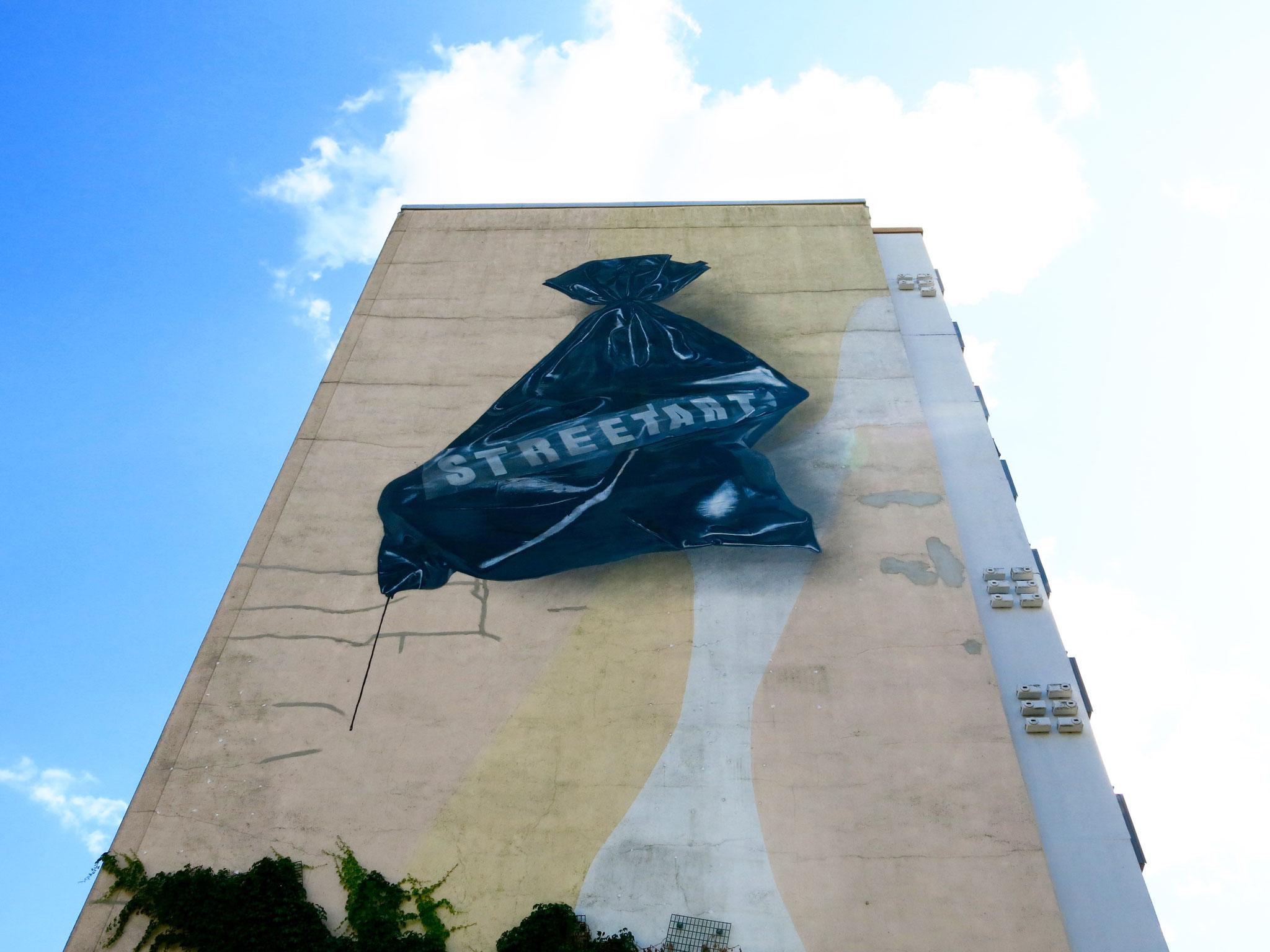 Tipp 10: Berlin Mural Fest | Sa/So, 7./8. September, jeweils ab 20.15 Uhr | Ludwigsfelder Straße 12 und 14, Alte Hellersdorfer Straße 129 + 133, Märkische Allee 158 + 164, Murtzaner Ring 31