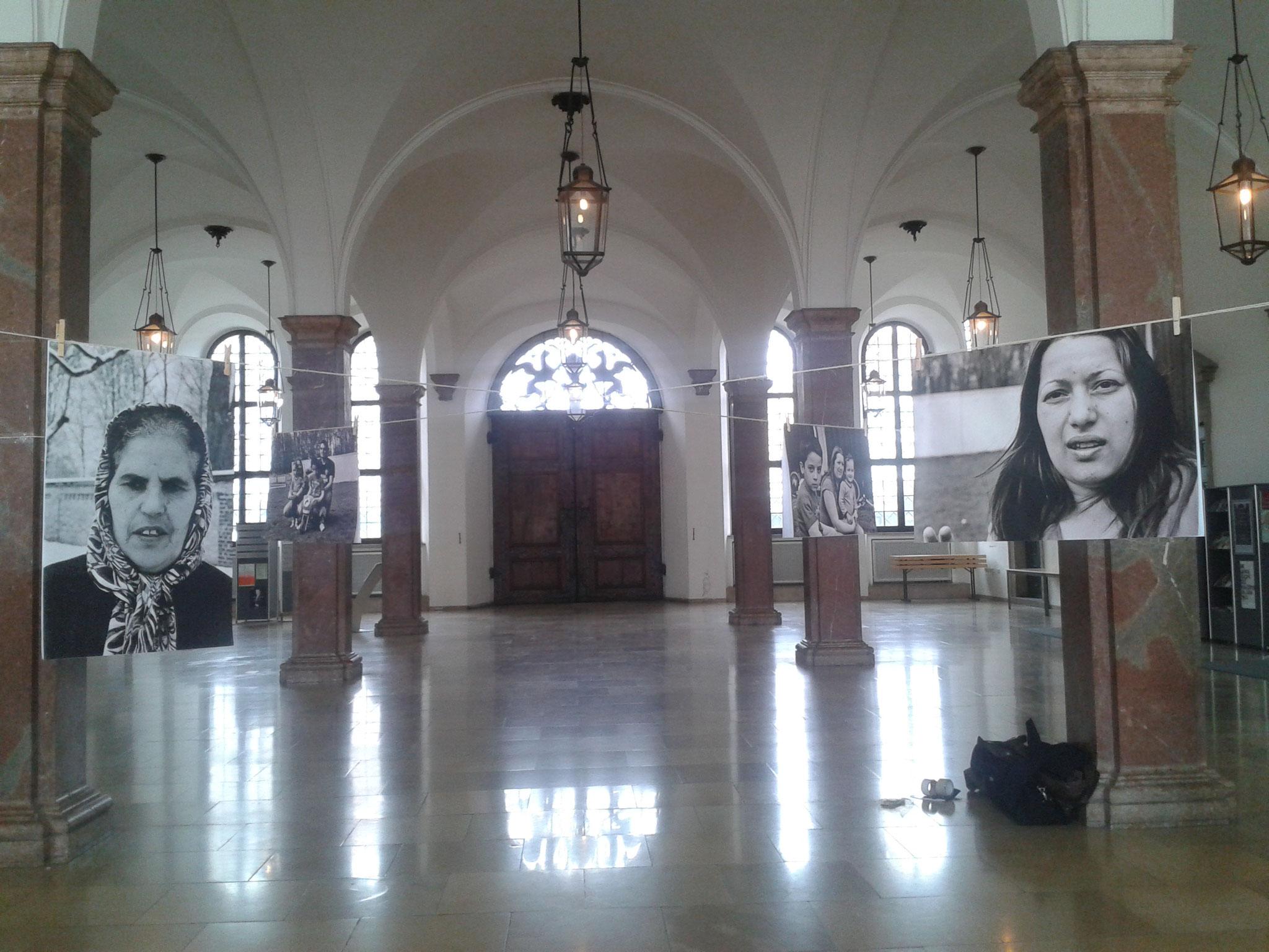ICH BIN unSICHTBAR Fotoausstellung im Rathaus Augsburg