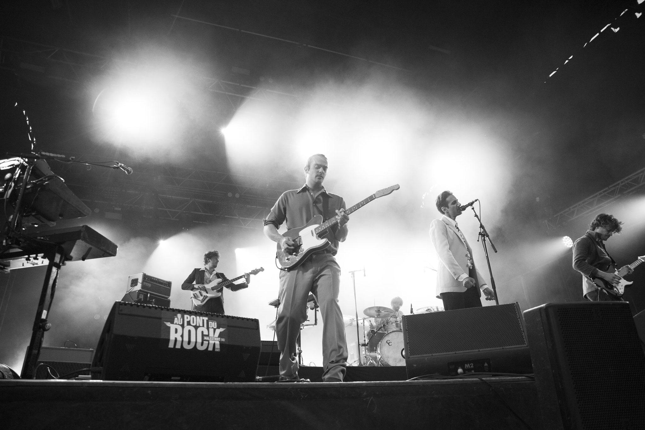 Feu! Chatterton - Festival Au Pont du Rock 2021. ©Clémence Rougetet