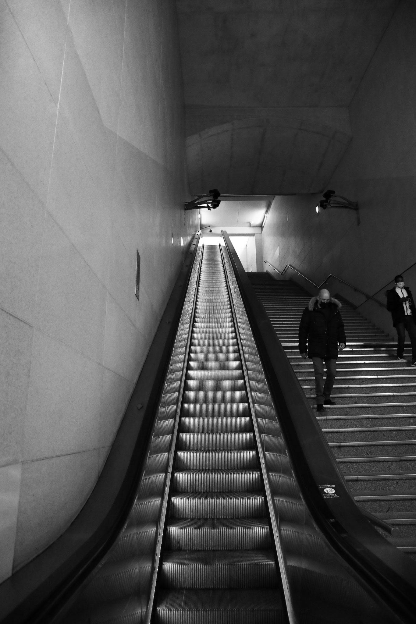 """""""Underground steps"""" - Station Bibliothèque François Mitterand, Paris (2021). Canon 5D Mark IV + 24-105mm. ©Clémence Rougetet"""