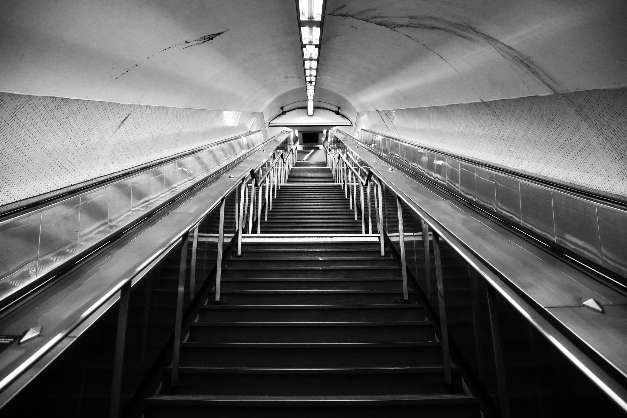 """""""Stepscape"""" -  Station Saint-Michel Notre-Dame, Paris (2021). Canon 5D Mark IV + 24-105mm. ©Clémence Rougetet"""