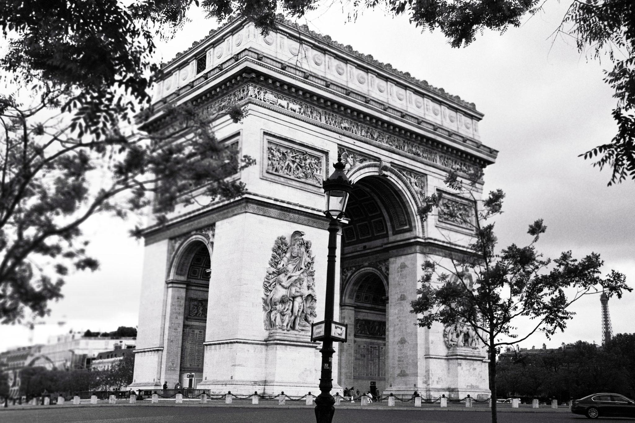 """""""French heritage"""" - Arc de Triomphe, Paris (2021). Rollei Retro 400S. © Clémence Rougetet"""