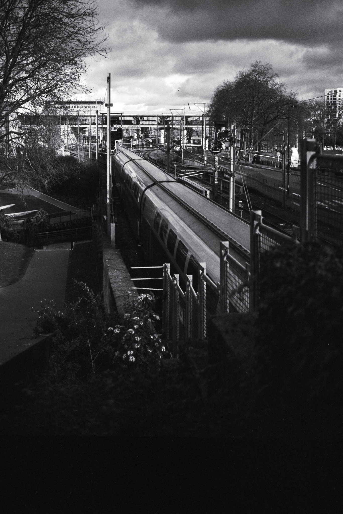 """""""West express"""" - Nantes (2021). Kosmo Foto Mono 100 ASA. © Clémence Rougetet"""